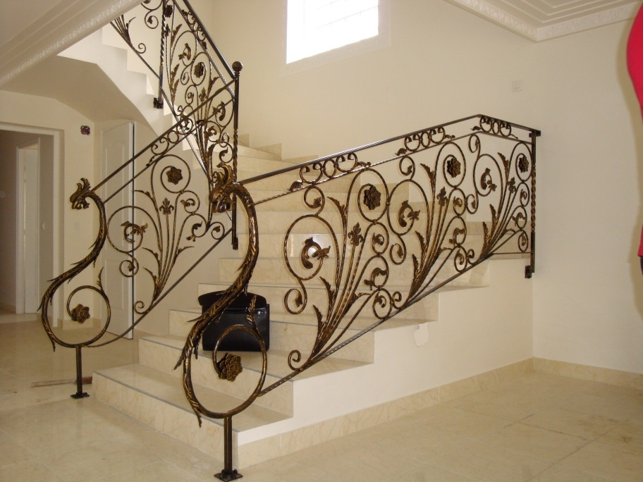 Wrought iron fence chateaux florent wrought iron for Decor mural fer forge